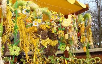 wielkanocne żółcie i zielenie zdominowały jarmark